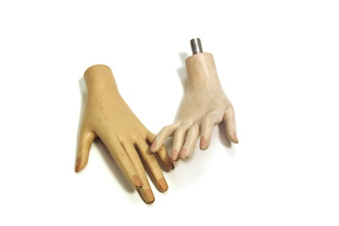 mannequin-hands-by-opalic
