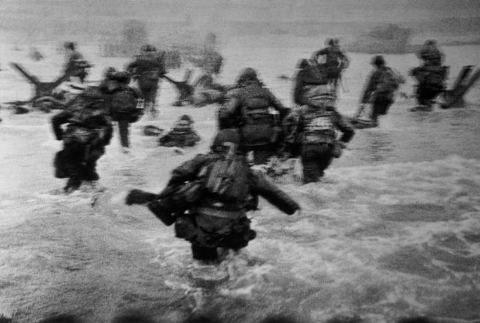 FRANCE.-Normandy.-June-6th-1944.-Landing-of-the-American-troops-on-Omaha-Beach.